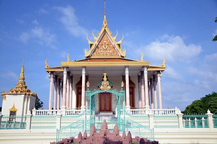 柬埔寨金边王宫,金边历史悠久的国宝级景点