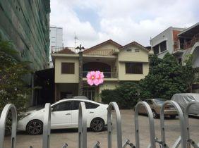 Villa 6~bedroom for rent in Chomkamorn
