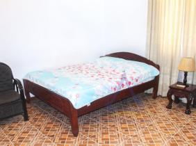 Doun Penh  在Central Market附近的家具齐全的1间卧室出租
