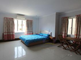 Fully Furnished 1 bedrooms with elevator for rent at Toul Tom Poung Area