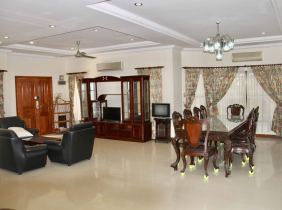 Beautiful villa for rent in 6 rooms in toul kork 2000$