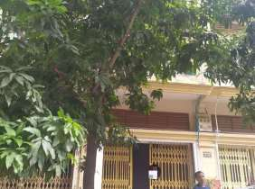 Townhouse rental near Hanoi Road, 4 bedrooms, 5 bathrooms, 1 parking space, 500$/month