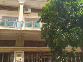 Townhouse rental near Hanoi Road, 4 bedrooms, 5 bathrooms, 1 parking space, 700$/month