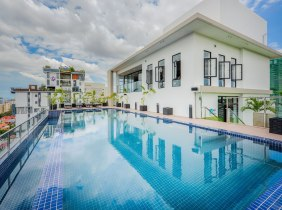 Two bedroom for rent at bkk1