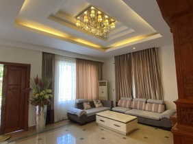 Good decoration villa 4 bedrooms and 1 living room for rent near AEON 2