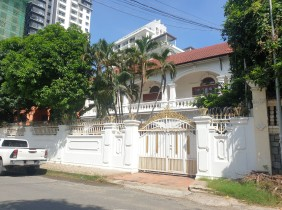 [Near AEON Mall 1] Beautiful Villa 439㎡ For Sale $2000001