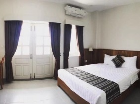 Apartment for rent in Phnom Penh City 3 bedrooms 172m² 1400$/month