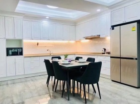 Apartment for rent, well-decorated house, Wanjinggang 1 zone (BKK1), 3 bedrooms 150m² 3000$/month