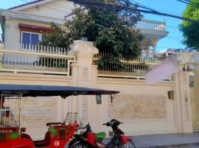 【100%真】金边市 桑园区 靠俄罗斯市场 出入方便 位置佳 出租整栋别墅 $3500/月