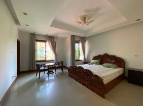 Beautiful villa for rent at Rose garden