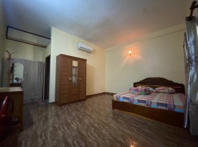 15-bedroom 264m² apartment for rent on Norodom Avenue in Sangyuan District, Phnom Penh 10000$/month