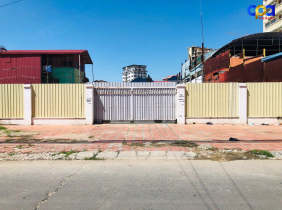 Land for lease, on main road of Toul Kork