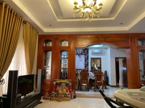 The beautiful whole villa near AEON II in the Phnom Penh business district of Cambodia is for sale, which is most suitable for independent and company