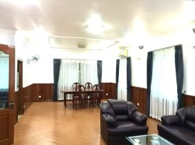 Villa for rent in Tieqiaotou 1 5-bedroom 90m² 2300$/month