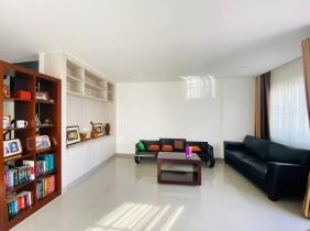 Villa for rent in Dang Kor 4 bedrooms 1600$/month
