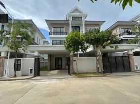 Villa twin B for Sale at borey peng houth the star Diamond